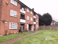 Large 3 Bedroom 1st Floor Flat In Newbury Park IG3, 5 Minute Walk to Station, Balcony