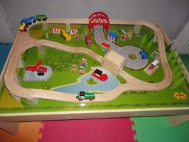 BigJigs Train Table plus train/tracks bundle