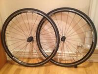 Giant P-2R wheels with tyres and skewers