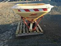 Tractor three point linkage pto driven Vicon wagtail fertiliser spreader takes 500kg bags