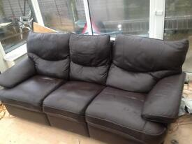 Top quality reclining 3 seater Brown leather Sofa, couch, settee.