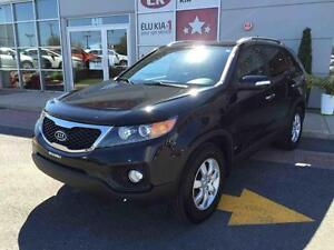 2013 Kia Sorento LX, MAGS, HITCH, super CLEAN