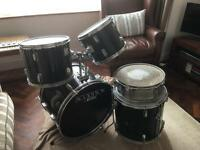 Drum kit, 22x16 kick, 2 kick Toms, floor tom and snare )