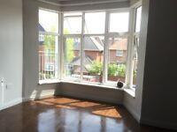 2 bedroom 2 en-suite bathroom flat with balcony and FREE WIFI