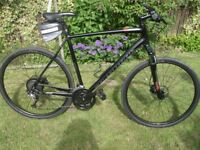 Specialized Crosstrail Sport Hybrid Bike 2016 model excellent condition