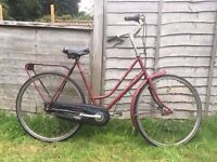 Gazelle classic bicycle - daytime cruiser!