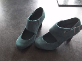 Worn Teal suede shoes size 5