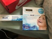 Teeth whitening set and toothpaste