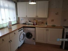 3 bedroom flat in Melvaig Place, Glasgow, G20 (3 bed) (#771498)