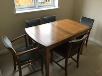 Dining Table & Chairs x5