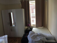 Single Bed in shared room Zone 1 to let (Shoreditch area)