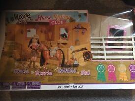 Moxie girl horse riding club /dolls