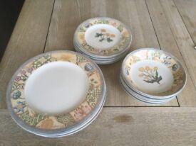 Vintage Wedgwood Tableware Dining Set - 6 x Plates, Side Plates & Bowls