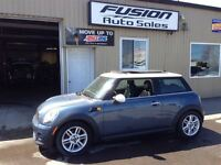 2011 MINI Cooper PANORAMIC SUNROOF-LEATHER-HEATED SEATS