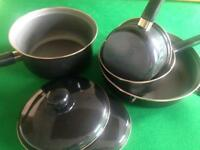 New non stick saucepan set