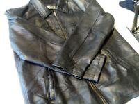 "Mens Black !eather jacket Size 42"" chest VGC"