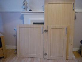 Kitchen Unit/Cabinet Doors x 12. Beech Style. VGC.