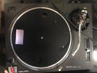 2 x Technics SL 1210 MK2