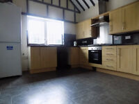 Renovated House with Garden and Driveway, close to Town Centre, Train Station, ALL BILLS INCLUDED
