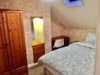 ** DOUBLE ROOMS TO LET IN A CHARMING MODERN TOWNHOUSE JUST OFF LISBUN ROAD **