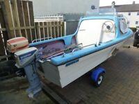 14 Ft. DEJON 2 BIRTH FISHING BOAT. 2 ENGINE'S EVINRUDE 9.9 Hp. & crescent 5 Hp. 's trailer.