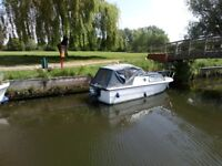 Boat weekend cruiser grp 10hp with mooring