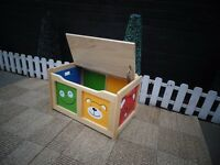 PINE CHILDREN TOY BOX PROPER CHUNKY ONE IN EXCELLENT CONDITION 64/40/38 cm £30