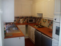 R O O M Crossflatts Drive LS11 £250pcm all inc. Good links to the city centre