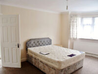 **LARGE 4 BED FLAT AVAILABLE IN DOLLIS HILL, NW10 1LD!!**