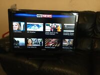 """32"""" TOSHIBA 32AV615DB HD LCD TV WITH BUILT IN FREEVIEWIN GREAT CONDITION."""
