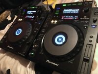Pair of Pioneer CDJ 900 Professional Multi Players [Excl. Condition] (# CDJ CD Player Controller DJ)