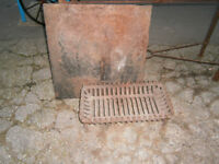 FIRE GRATE WITH FIRE BACK CAST IRON FIRE BASKET WITH LARGE CAST IRON BACKPLATE IN YEPVIL