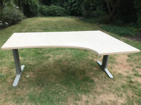 Large corner desk with steel base. Immediately available in good condition 120 x 180 cms