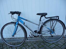 Women's lightweight alloy frame Hybrid Bike. Very good condition.