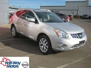 2013 Nissan Rogue SV | Heated Seats!