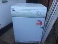 **HOTPOINT**TUMBLE DRYER**CONDENSER**6 KG**FULLY WORKING**COLLECTION\DELIVERY**NO OFFERS**