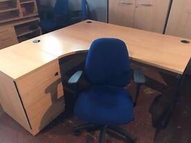Good Condition 1600 x 800 Office Cantilever Work Wave Office Desk Right or Left sided