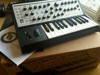 Moog Sub Phatty analog synth 100% perfect