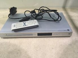 Silver DVD player + remote