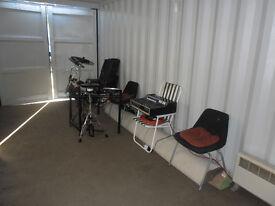 'SELKIRK BUNKER' REHEARSAL ROOM - from £2.50 PER HR .