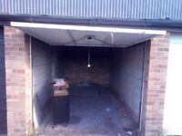 Garage to Rent, located in Kempston, Bedford, Good condition, £80 pcm 6 mth contract, Deposit