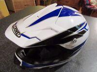 Youths Motobike/Motocross Crash Helmet Size S . 49-50