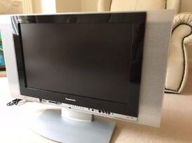 "Panasonic 32"" Flat Screen LCD TV TX-26LXD1"
