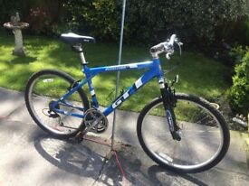 GENTS GT AGGRESSOR 18 GEARS FRONT SUSPENSION RIDES VERY WELL CLAEN CONDITION