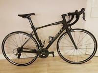 Giant defy advanced 1 full carbon medium road bike in excellent condition