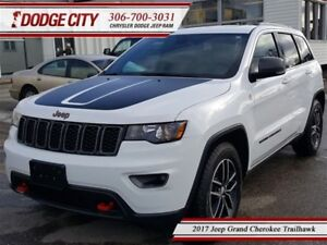 2017 Jeep Grand Cherokee Trailhawk | 4x4 - Heated Leather, Uconn