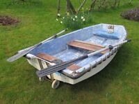 8 foot fibreglass tender with transom wheels are oars