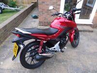 Honda CB125F CBF125 CBF 125 CB125 CB 125 F GLR Reg 2015 945 miles Immaculate