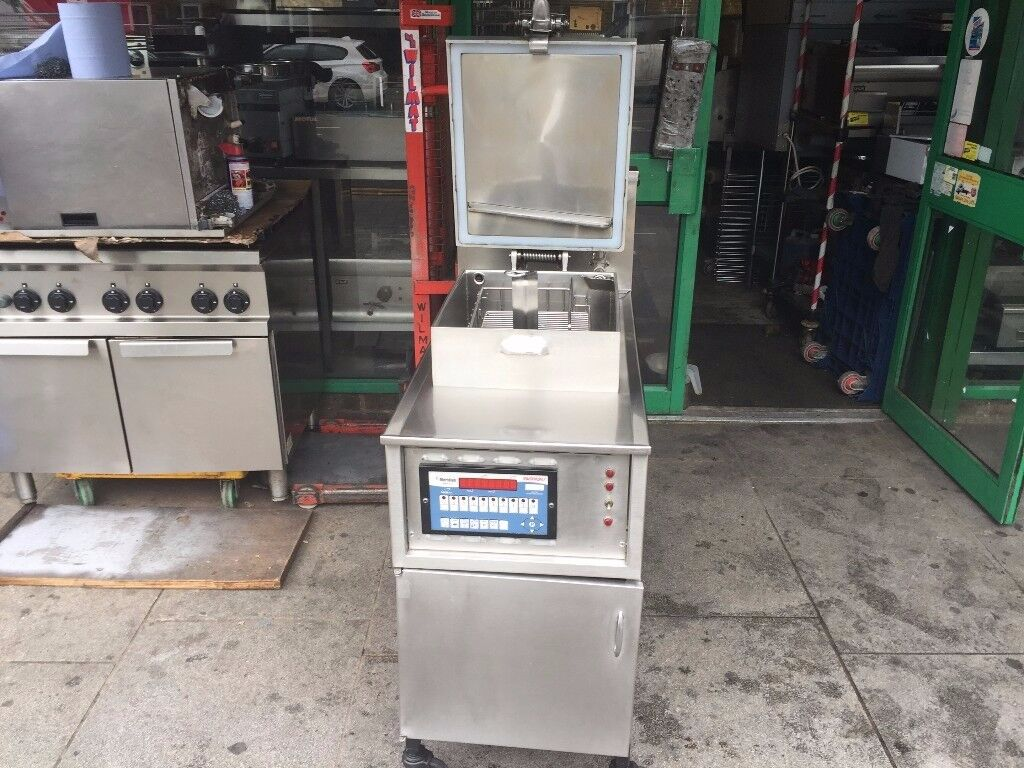 CATERING COMMERCIAL HENNY PENNY PRESSURE FRYER FRIED CHICKEN MACHINE FAST FOOD RESTAURANT KITCHEN