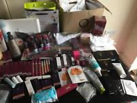 Gorgeous cosmetics & accessories lots in stock